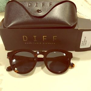 Diff sunglasses. Brand New. Tortoise/Brown